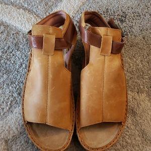 NWT NAOT Sandles Size 38/8